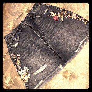 Abercrombie & Fitch Denim Distressed skirt